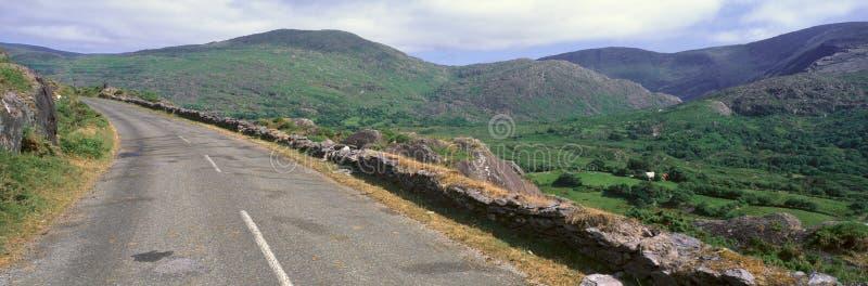 Panorama van Healy Pass, Cork, Ierland stock afbeeldingen