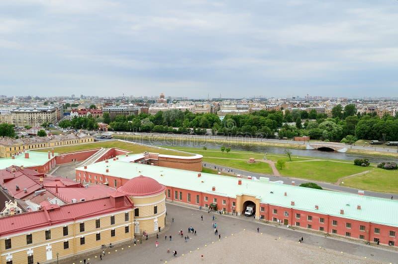 Panorama van Heilige Petersburg, Rusland van een hoogte stock afbeelding