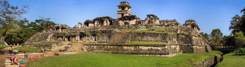 Panorama van het complexe paleis, Palenque, Chiapas, Mexico royalty-vrije stock afbeeldingen