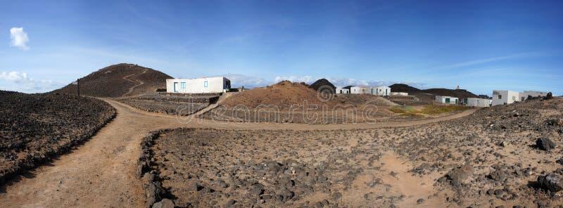 Panorama van het dorp van Gr Puertito op het Eiland Lobos stock afbeelding
