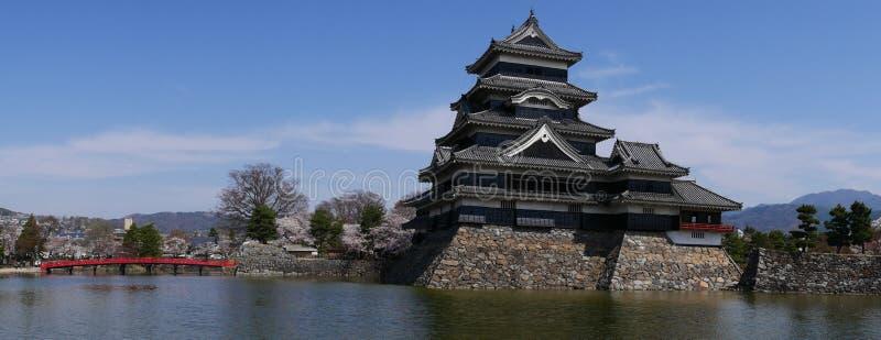 Panorama van het kasteel van Matsumoto stock afbeeldingen