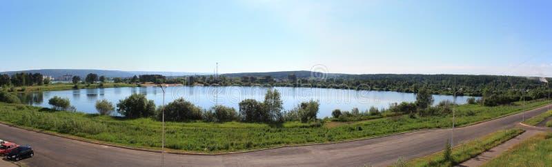 Panorama van het meer Zelenogorsk stock afbeeldingen