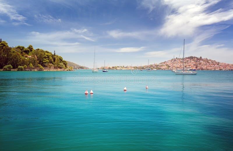 Panorama van het overzees van Poros-eiland stock foto