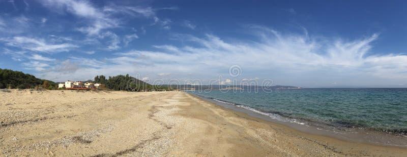 Panorama van het strand in Agios Nikolaos royalty-vrije stock foto's