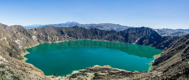 Panorama van het vulkanische meer van Quilotoa in Ecuador royalty-vrije stock afbeeldingen