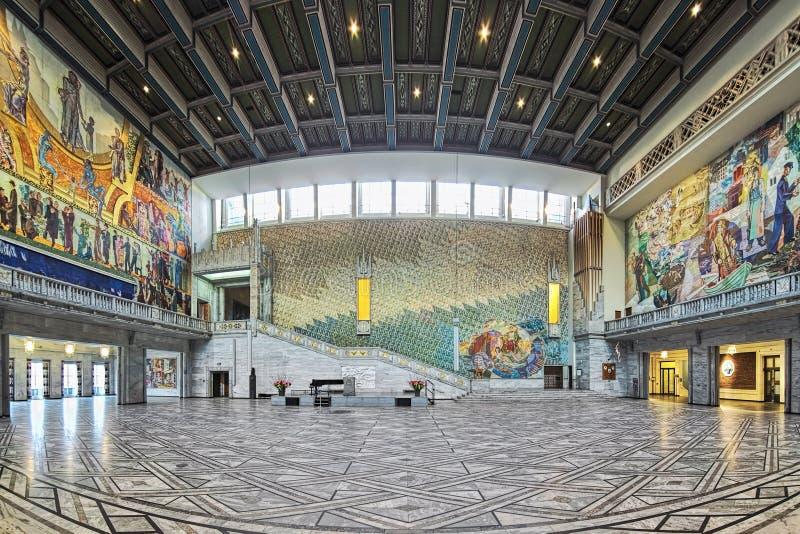 Panorama van Hoofdzaal in het Stadhuis van Oslo, Noorwegen stock afbeeldingen