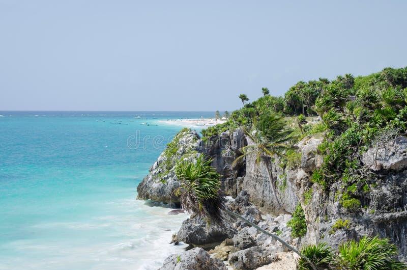 Panorama van idilic Caraïbisch strand van Tulum, Riviera Maya, Mexico stock foto's