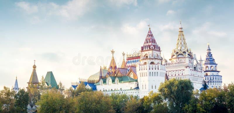Panorama van Izmailovsky het Kremlin, Moskou, Rusland royalty-vrije stock fotografie