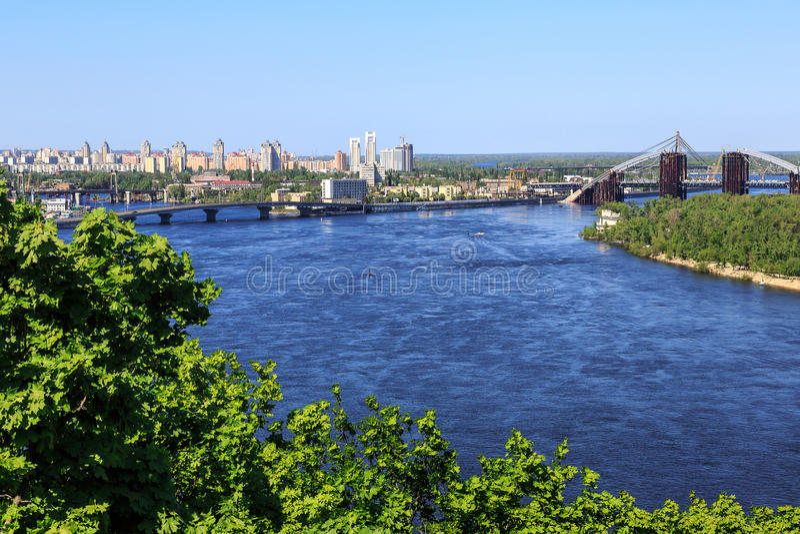 Download Panorama Van Kiev, De Oekraïne. Redactionele Stock Afbeelding - Afbeelding bestaande uit panorama, europa: 39102944
