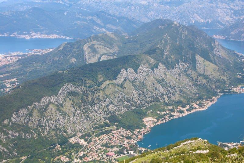Panorama van Kotor-baaifjord, het nationale park van Lovcen royalty-vrije stock afbeelding