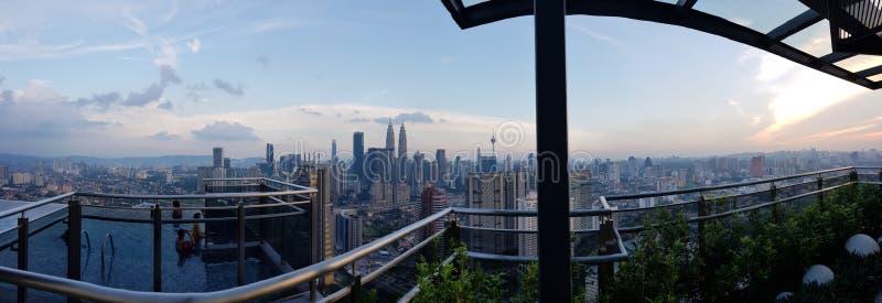 Panorama van Kuala Lumpur-cityscape van het dak stock foto