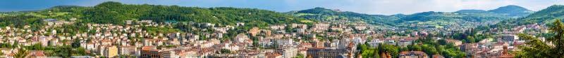Panorama van Le Puy-en-Velay - Frankrijk royalty-vrije stock foto's