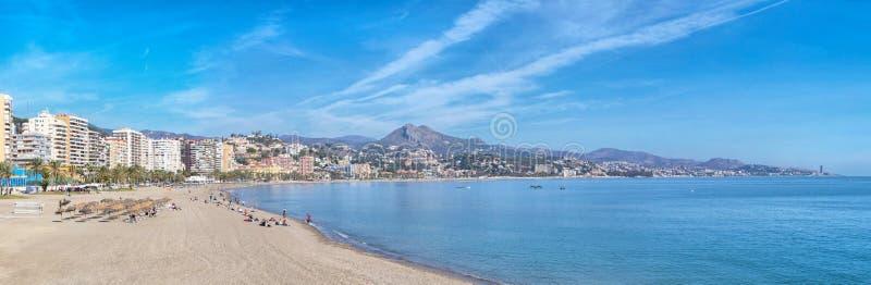 Panorama van Malagueta-strand in Malaga stock foto