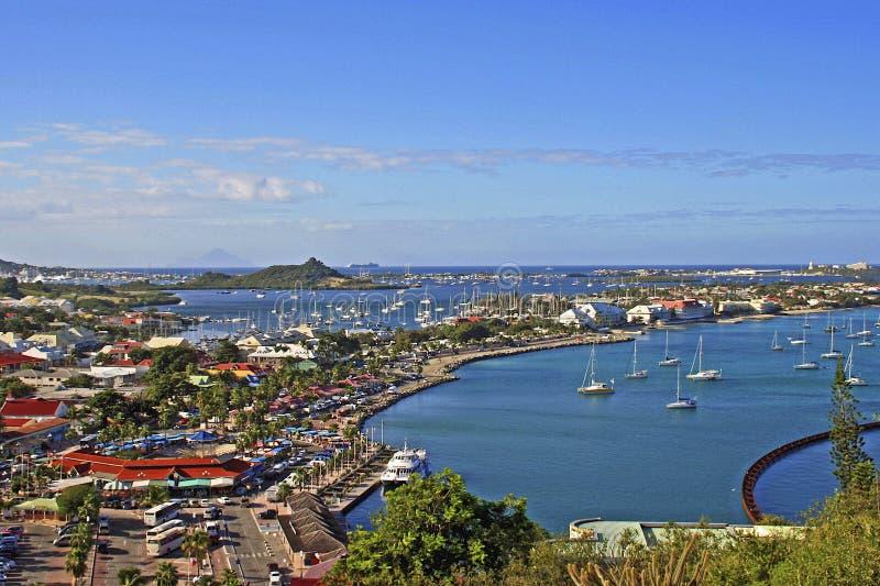 Panorama van Marigot-Baai, St Maarten stock fotografie