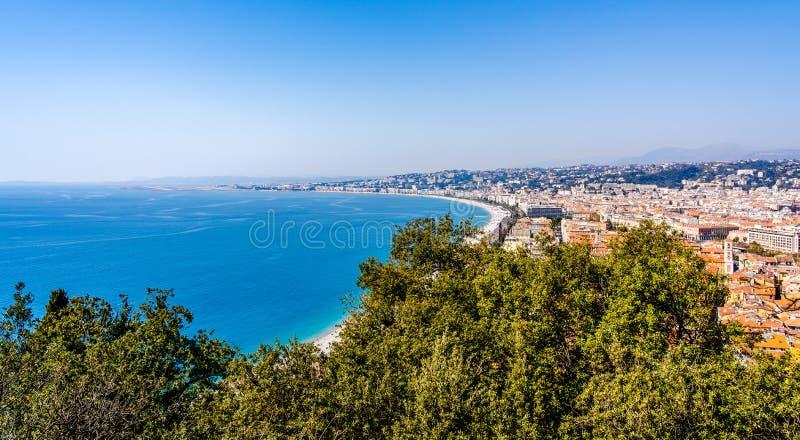 Panorama van Nice, Frankrijk op de Kooi D 'Azur French Riviera, Middellandse Zee van Kasteelheuvel die wordt gezien royalty-vrije stock afbeelding