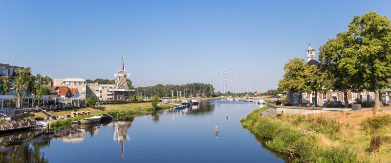 Panorama van Ommen en de Vecht-rivier stock foto