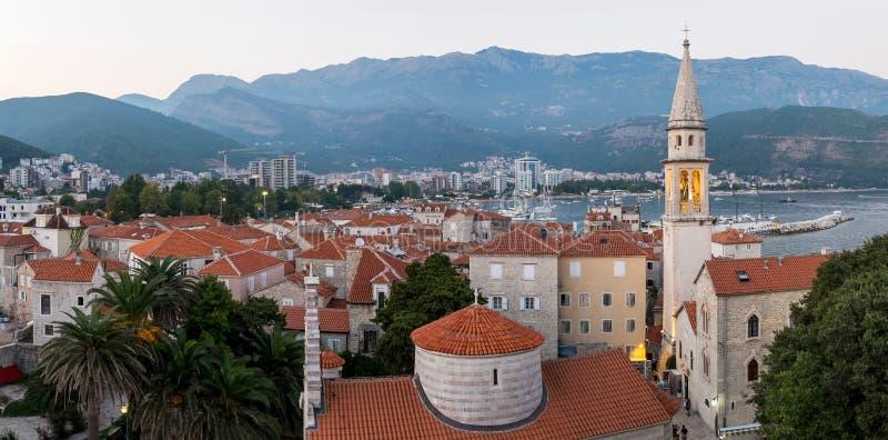 Panorama van Oude stad Budva montenegro royalty-vrije stock afbeeldingen