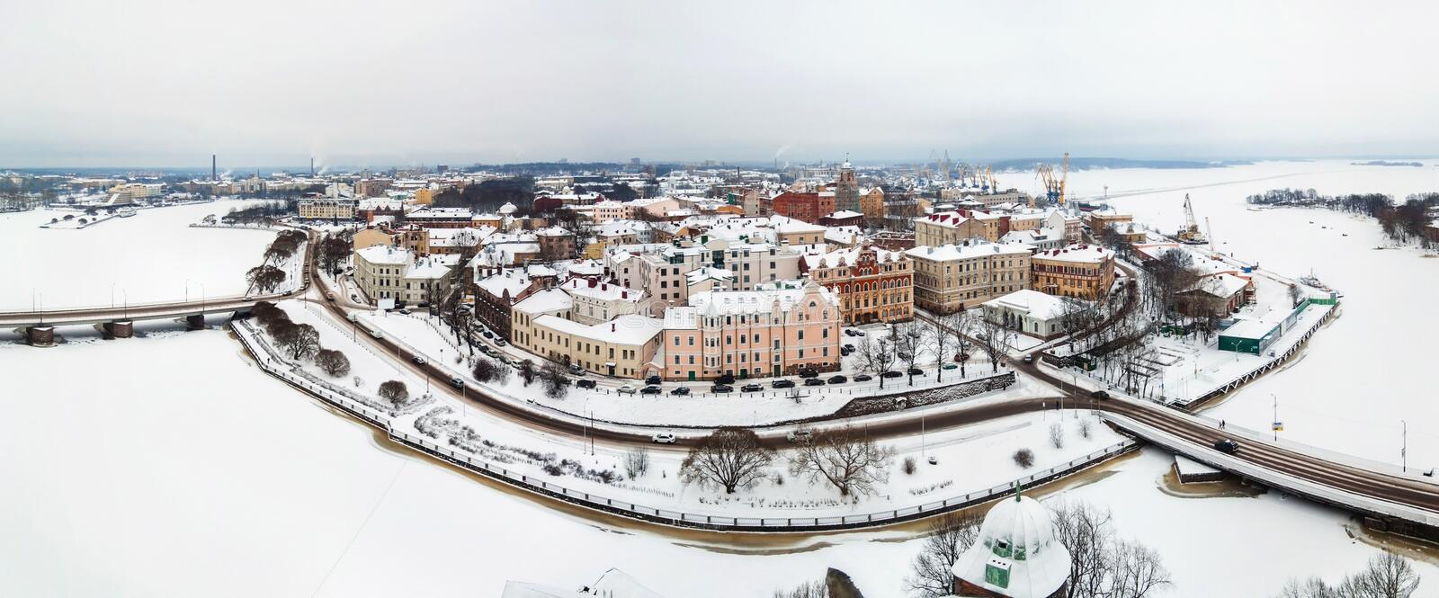 Panorama van oude stad in de winter Vyborg, Rusland royalty-vrije stock foto