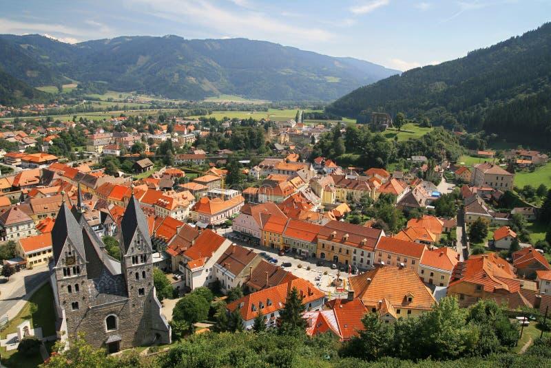 Panorama van oude stad in Oostenrijk stock foto's