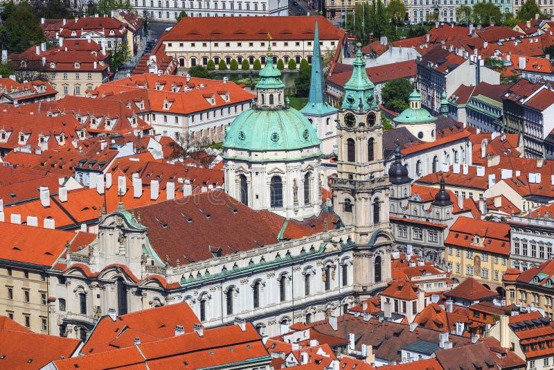 Panorama van Oude stad van Praag met betegelde daken Praag, C royalty-vrije stock foto's