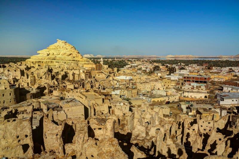 Panorama van oude stad Shali, berg Dakrour in Siwa-oase royalty-vrije stock foto's