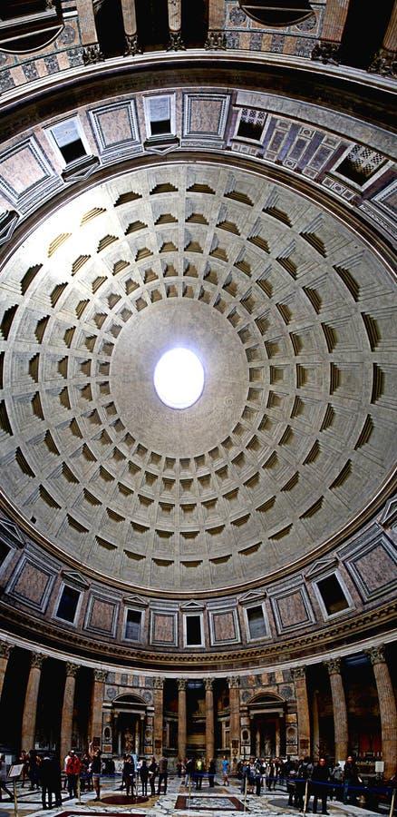 PANORAMA VAN PANTHEON BEROEMDE BESTEMMING VAN ROME royalty-vrije stock afbeelding
