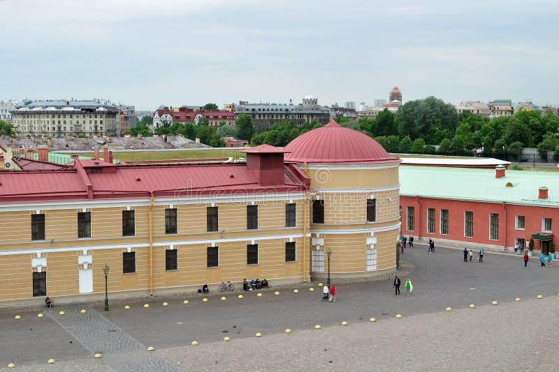 Panorama van Peter en van Paul vesting van een hoogte in Heilige Petersburg, Rusland royalty-vrije stock afbeelding