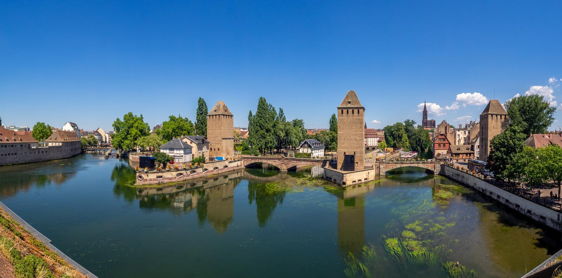 Panorama van Ponts Couverts, Straatsburg stock fotografie