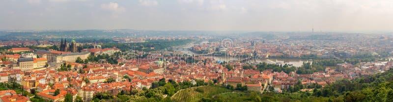 Panorama van Praag van Petrin-Toren royalty-vrije stock foto