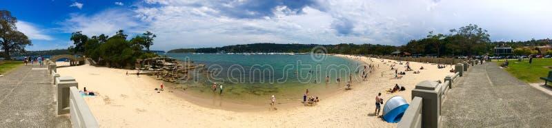 Panorama van Promenade & Balmoral-strand tijdens de zomer stock fotografie