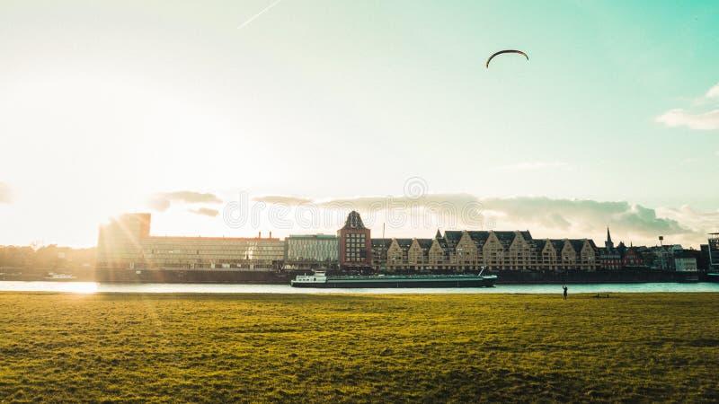 Panorama van Rheinauhafen in Keulen, Duitsland stock fotografie