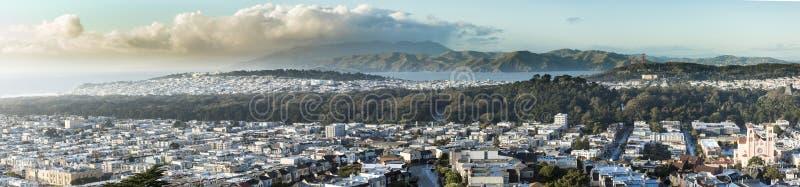 Panorama van San Francisco van Golden Gatehoogten stock foto