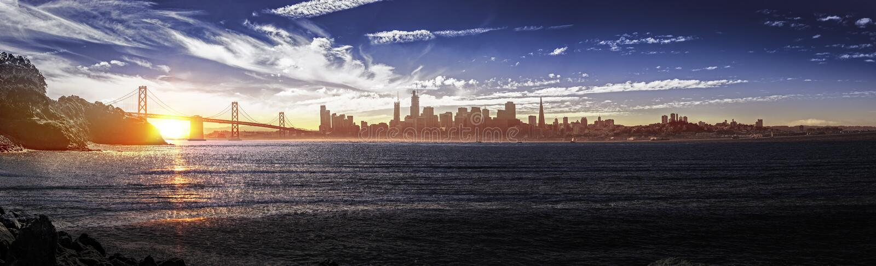 Panorama van San Francisco met Baaibrug royalty-vrije stock fotografie