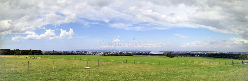 Panorama van schapenlandbouwbedrijf, Sapporo stock afbeelding