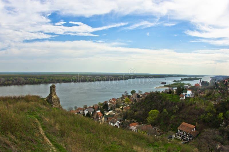 Panorama van Slankamen, stad bij de rivier van Donau royalty-vrije stock foto