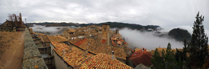 Panorama van Sos del Rey Catolico van het kasteel stock afbeeldingen