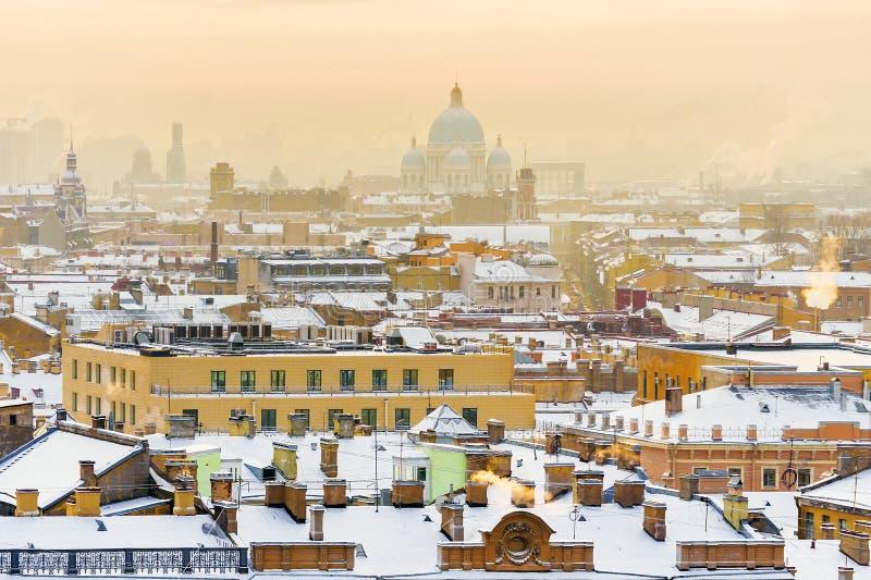 Panorama van St Petersburg Mening van St Isaac ` s Kathedraal royalty-vrije stock foto