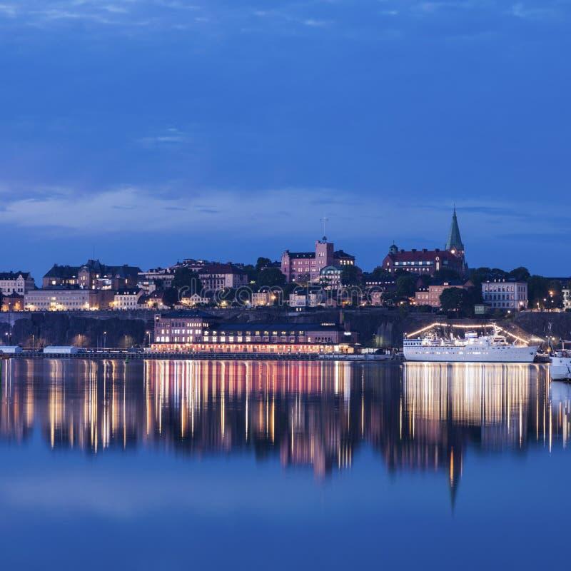 Panorama van Stockholm bij nacht royalty-vrije stock afbeelding