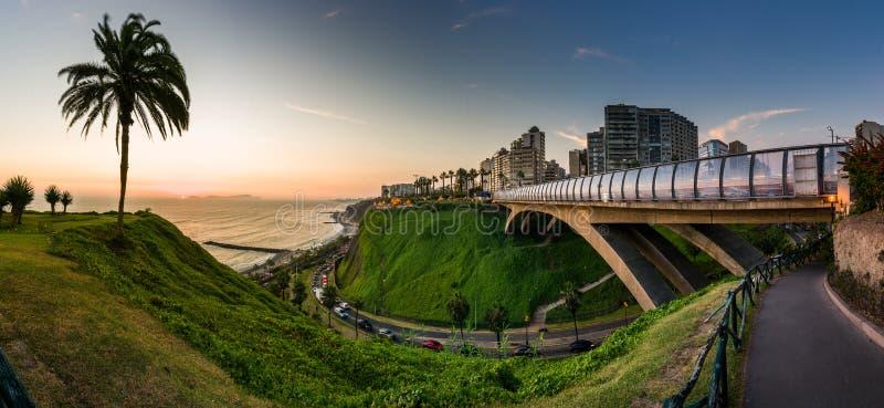 Panorama van Villena Rey Bridge stock afbeelding