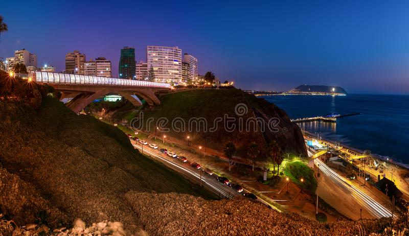 Panorama van Villena Rey Bridge van Miraflores in Lima, Peru royalty-vrije stock foto's