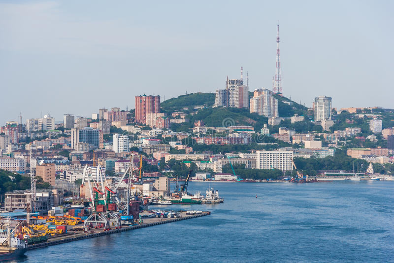 Panorama van Vladivostok, Russische Federatie stock foto