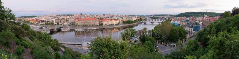 Panorama van Vltava-rivier, Praag, Tsjechische republiek royalty-vrije stock foto's