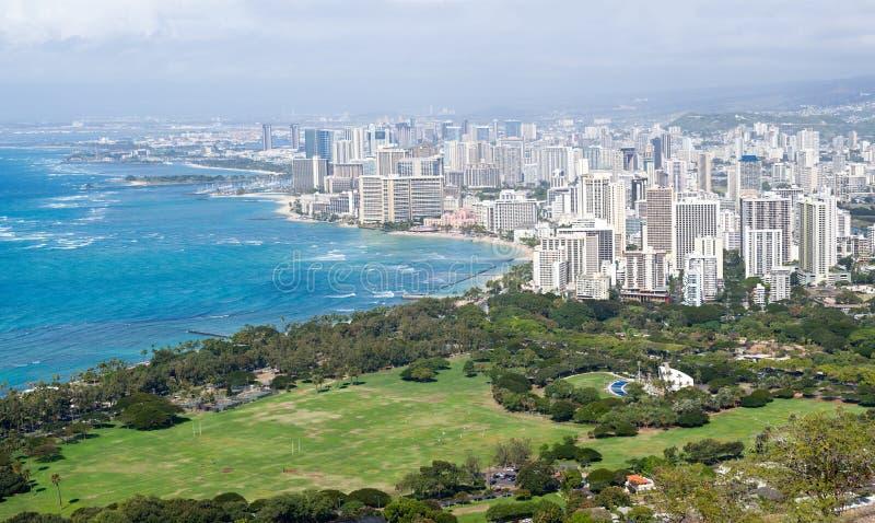 Panorama van overzeese voorzijde in Waikiki stock afbeelding