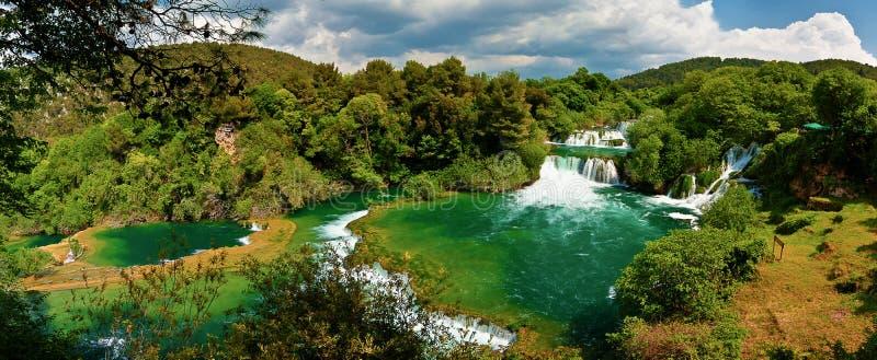 Panorama van watervallen in Nationaal Park Krka stock foto