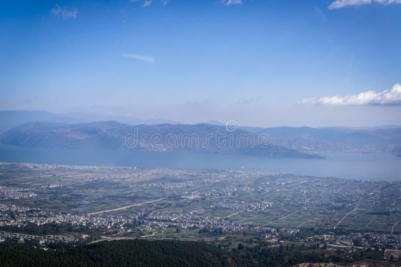 Panorama van Weergeven van Erhai-Meer, China stock foto's