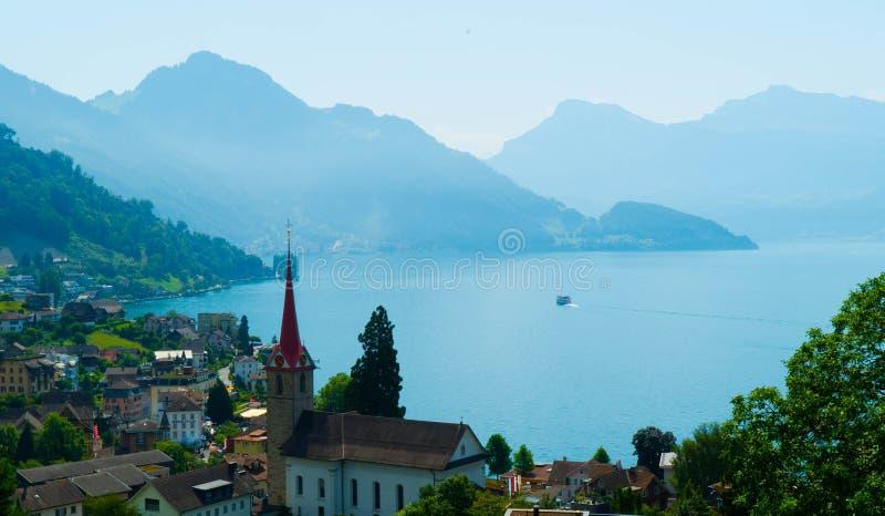 Panorama van Weggis, Alpen, Zwitserland royalty-vrije stock fotografie