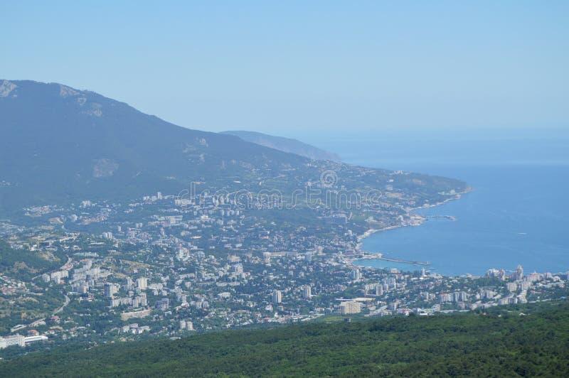 Panorama van Yalta van AI-Petri berg, stadsmening, huizen, de Krim, Juni 2018 stock afbeeldingen