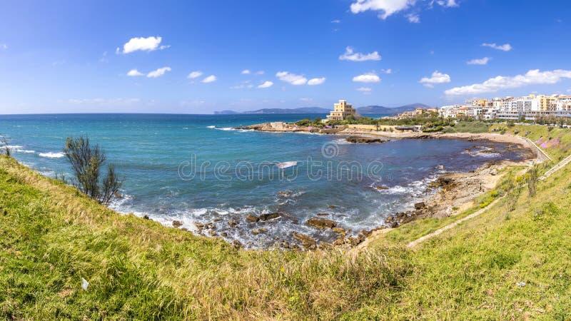 Panorama van zeekust dichtbij Alghero, Sardinige, Italië royalty-vrije stock foto