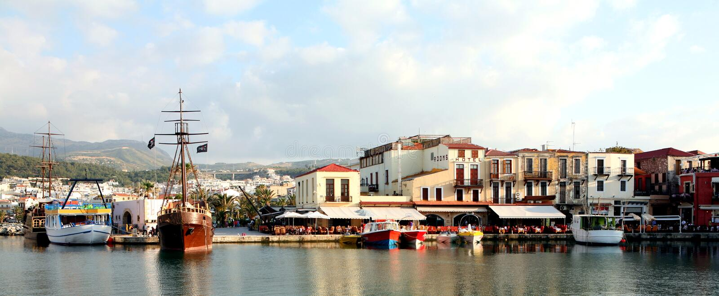 Panorama veneciano de Rethymnon del puerto imagen de archivo libre de regalías