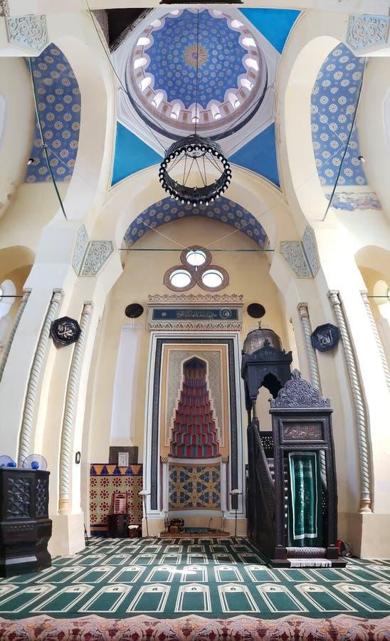 Panorama verticale della grande moschea, in Costanza, la Romania fotografia stock libera da diritti
